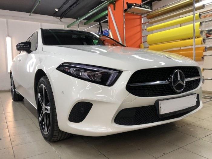 Оклейка Mercedes пленкой